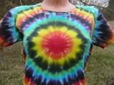 Dámské batikované tričko Spektrum zepředu detail, XL