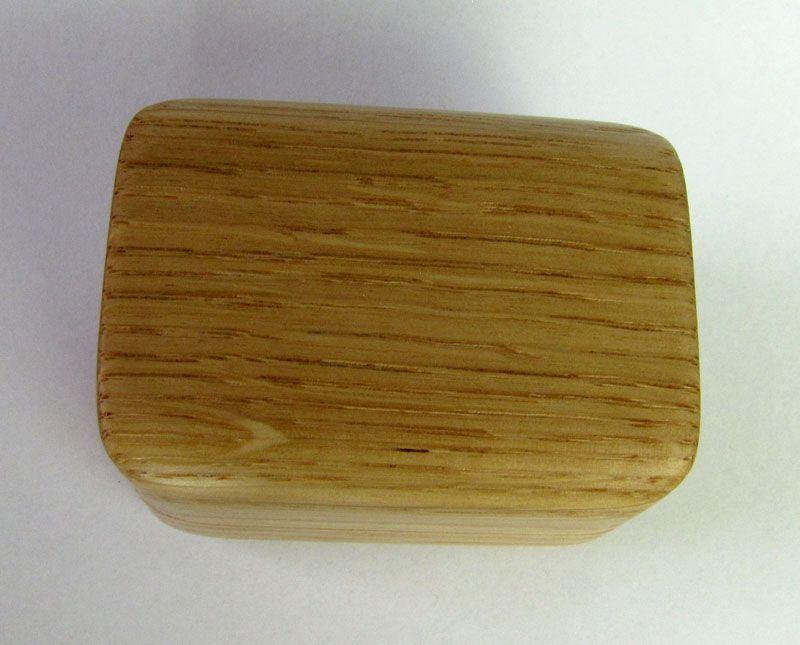 Šperkovnice dubová, hranatá