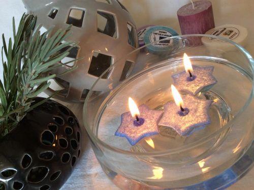 Plovoucí svíčky hvězdy ve skle
