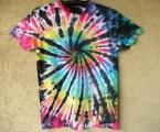Batikované duhové tričko