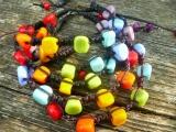 Duhové náramky z vinutých perel