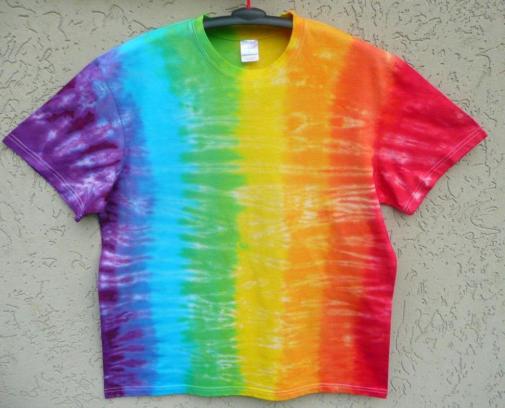 Batikované tričko duha