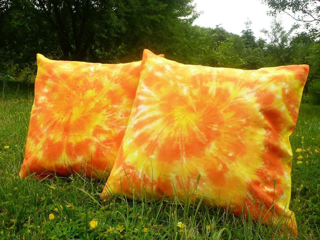 Oranžové polštářky povlaky 40x40