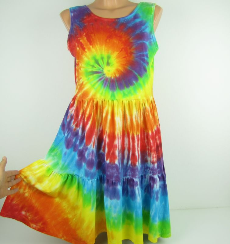 Duhové šaty na ramínka batika
