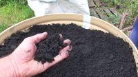 PRAuhel (biouhel, dřevěné uhlí) 200 litrů v plechovém sudu