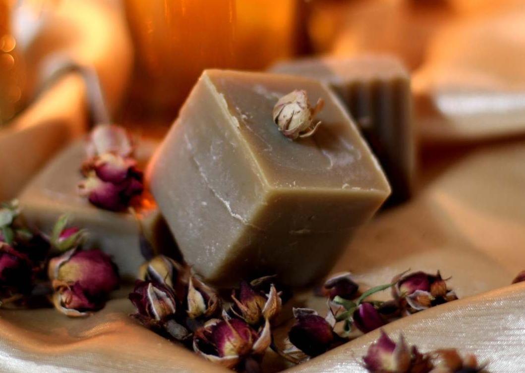 Tuhý přírodní šampon Brunetka