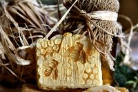 MED, VČELÍ VOSK, MĚSÍČEK - hojivé přírodní mýdlo, 100g
