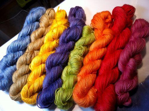Barvy na vlnu-hedvábí-peří a nylon