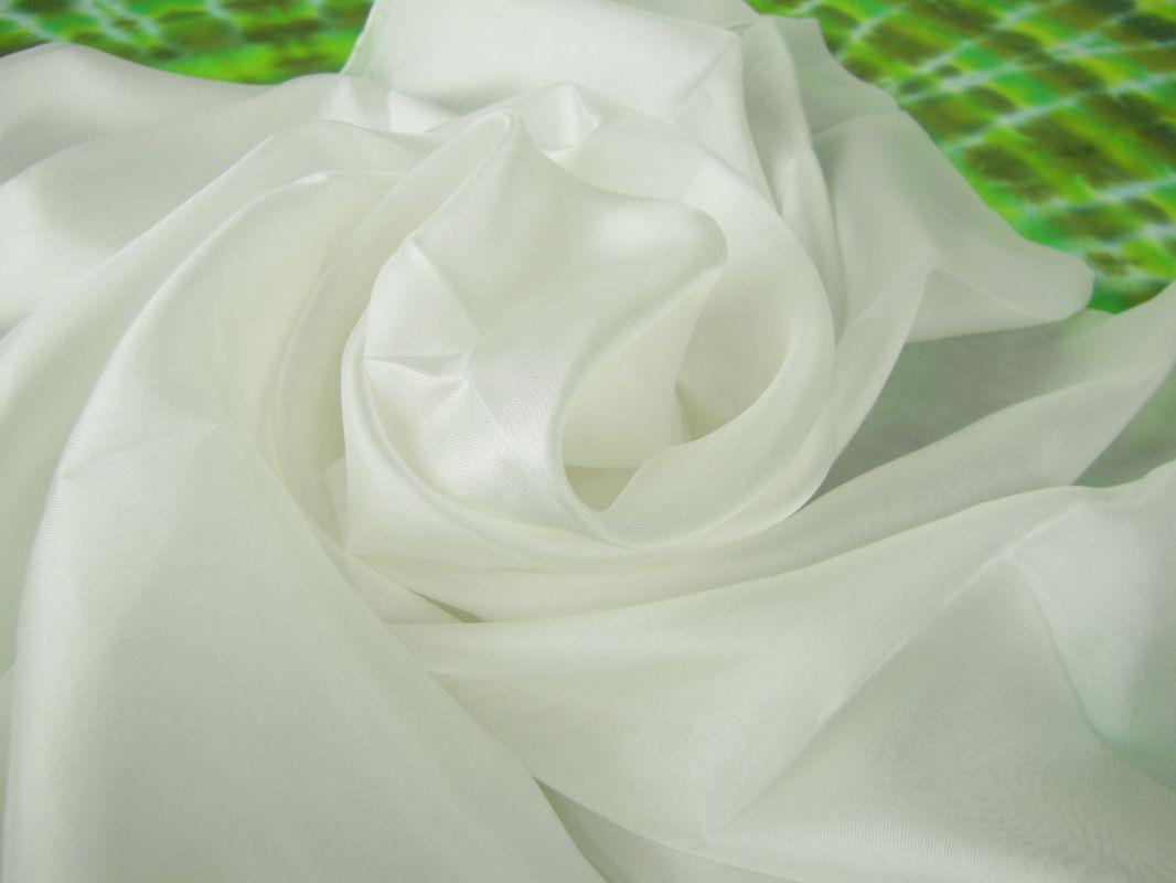 Hedvábná šála bílá 100% Silk Ponge 5