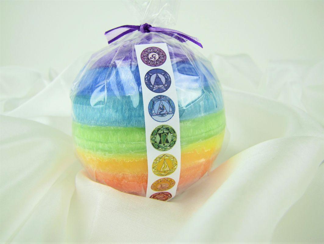 Svíčka barvy čaker koule