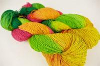 Ručně barvené toto hedvábí