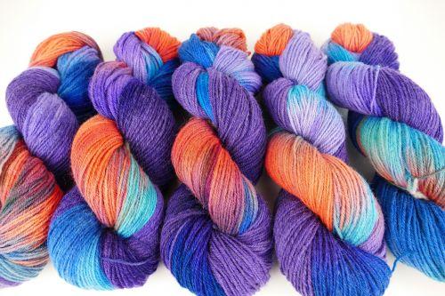 Ručně barvená ovčí vlna