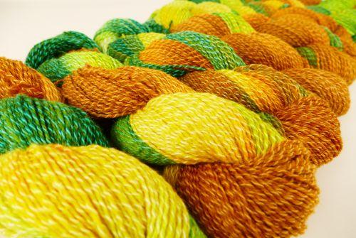 Ručně barvené hedvábí příze na pletení