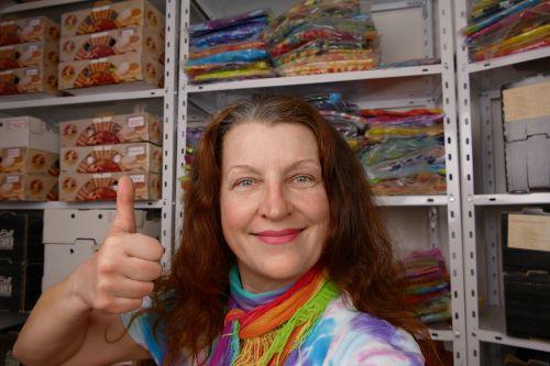 Duhové tričko sklad eshop batikovaného textilu