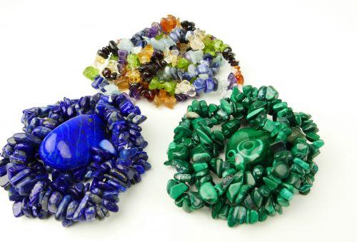Šperky z drahých kamenů-náramky-náhrdelníky-náušnice