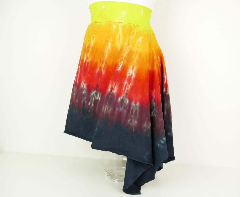 Ohnivá sukně s cípem batika