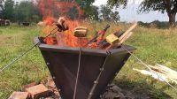 Pyramidové ohniště - opékání