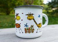 Žirafy hrneček plecháček