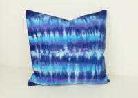 Batikovaný polštářek modrý povlak