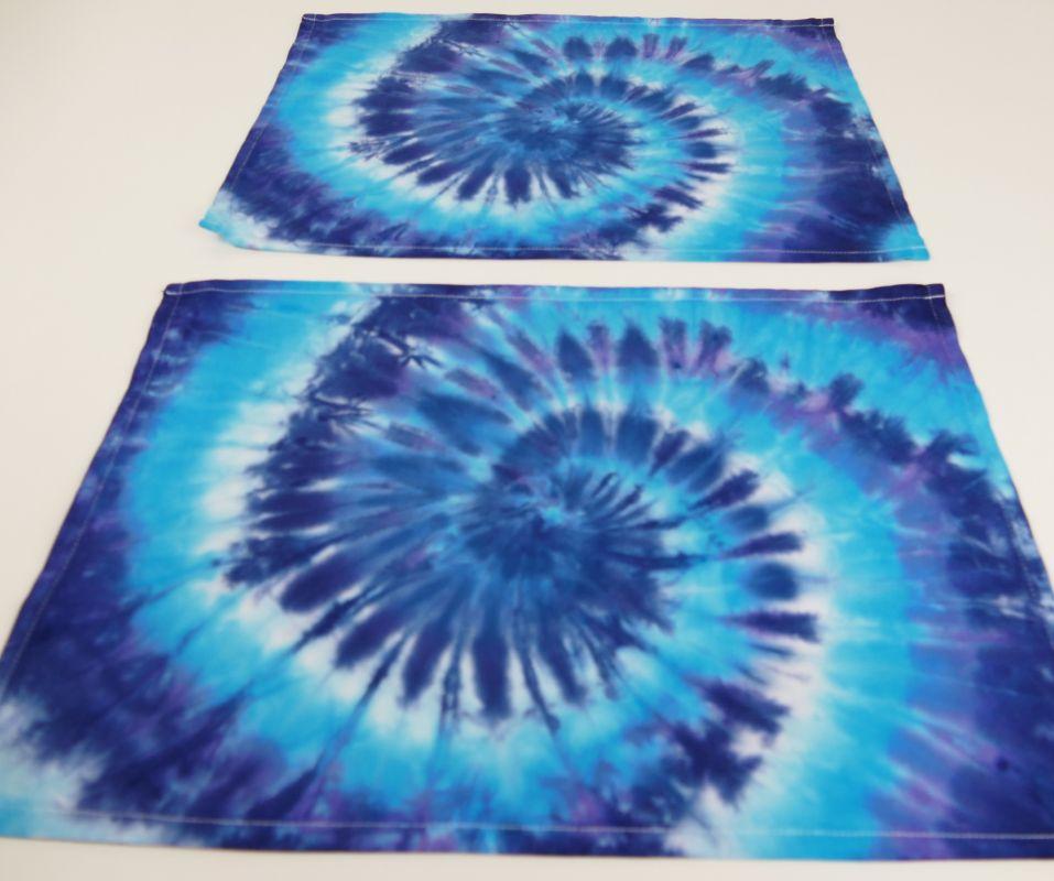 Batikované modré prostírání bavlna