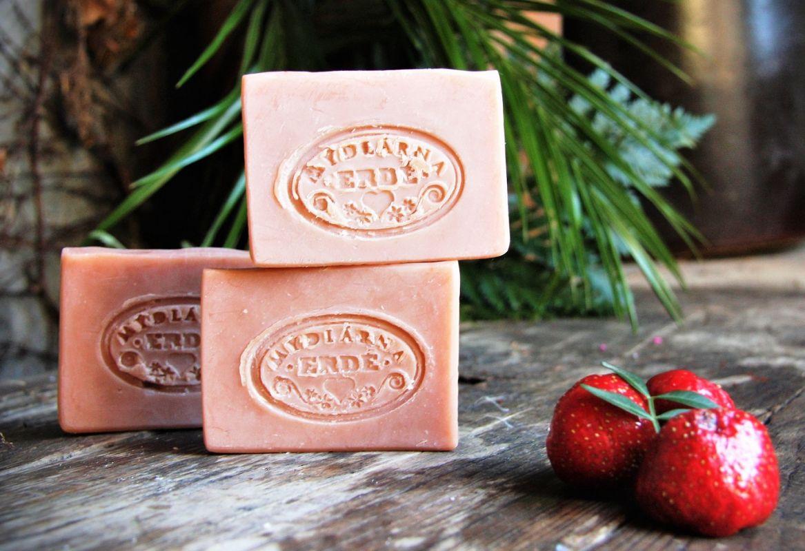 Jemné přírodní jahodové mýdlo