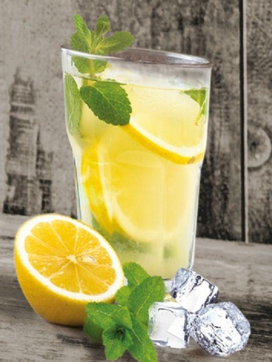 Ledový čaj s mátou a citronem