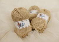 Lněná příze v klubkách na pletení