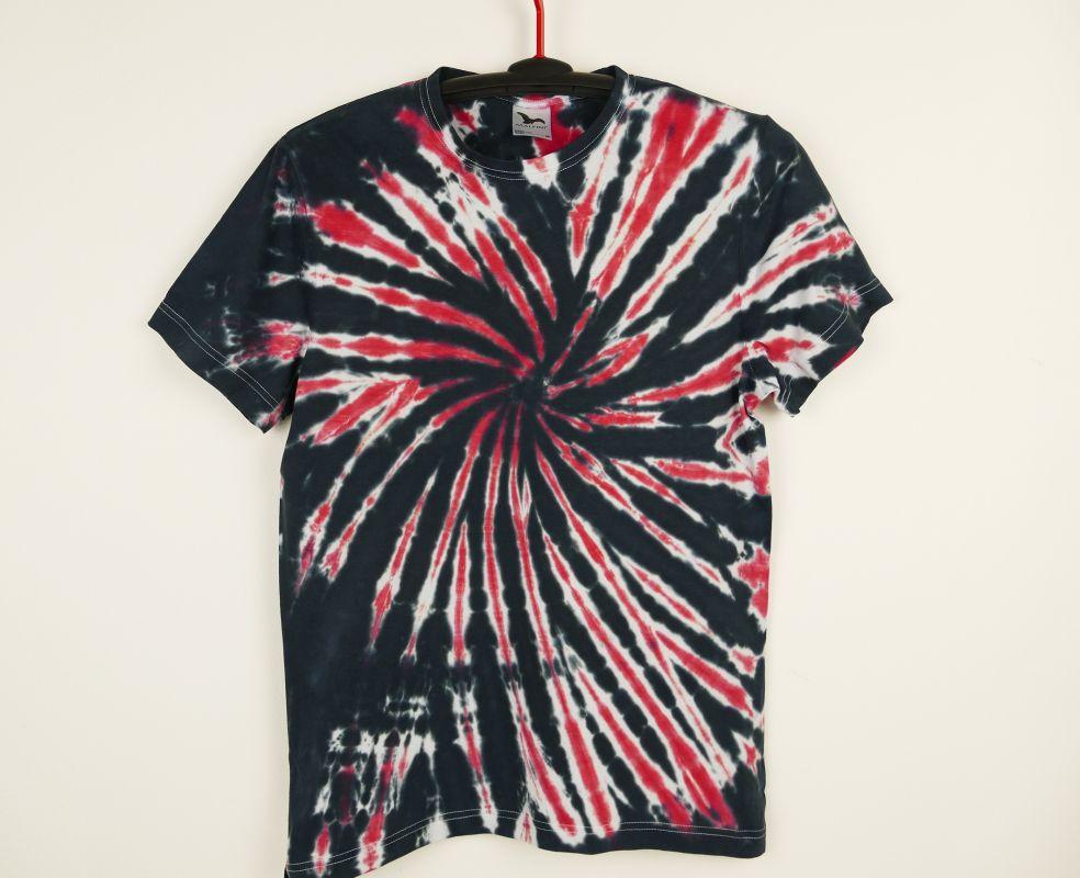 Batikované tričko Red skeleton