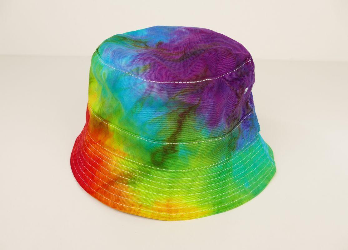 Duhový klobouček batika